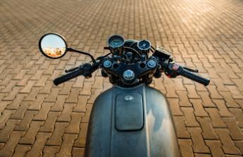 Vysněný červený motocykl Honda