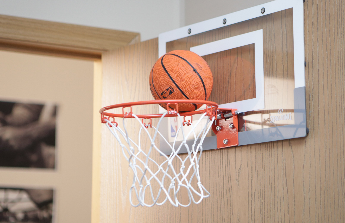 Studentský pokoj pro basketbalistu a nový obývák
