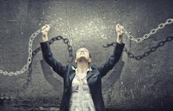 uvolnění z řetězů