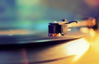 Příběh o deskách a gramofonech