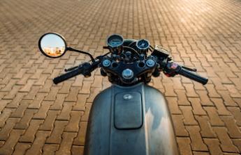 Vysněná motorka na víkendové dovádění